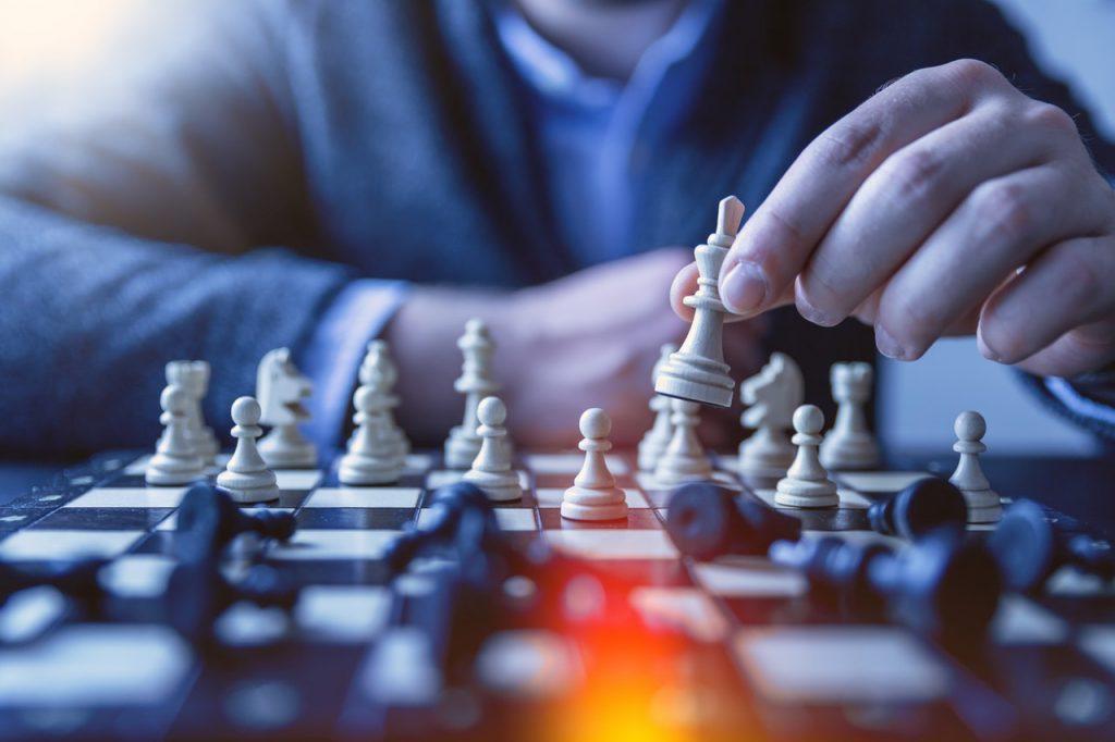 estrategias de inversión ajedrez tablero