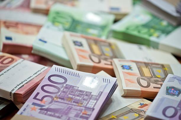 fondos de inversión montón billetes
