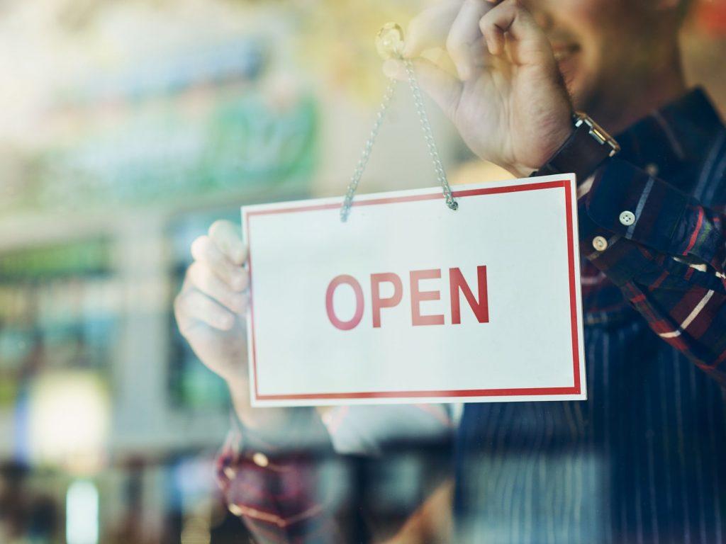 franquicias sin inversión negocio abierto