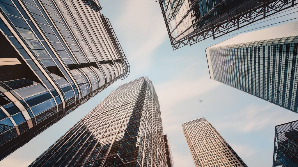 inversión inmobiliaria rascacielos edificación